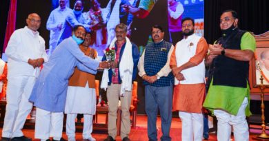 Chhattisgarhi filmmaker-director Satish Jain was honored by BJP Cultural Cell ...